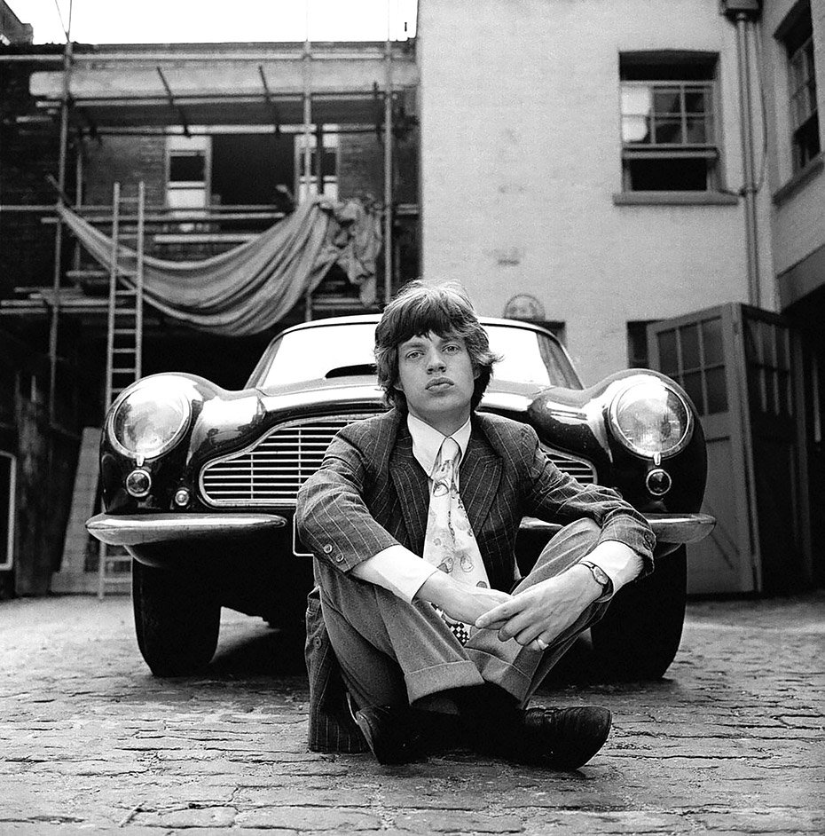 MensReverie-Scrapbook-Gered_Mankowitz-Mick-Jagger-and-Aston-Martin-DB6-London1