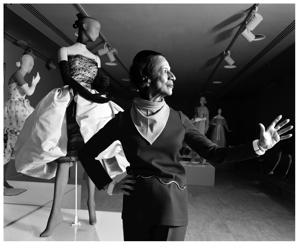 diana-vreeland-fashion-arbiter-and-legendary-fashion-editor-of-harpers-bazaar-magazine-and-editor-in-chief-of-vogue-magazine-curating-the-world-of-balenciaga-nyc-1973-harry-benson