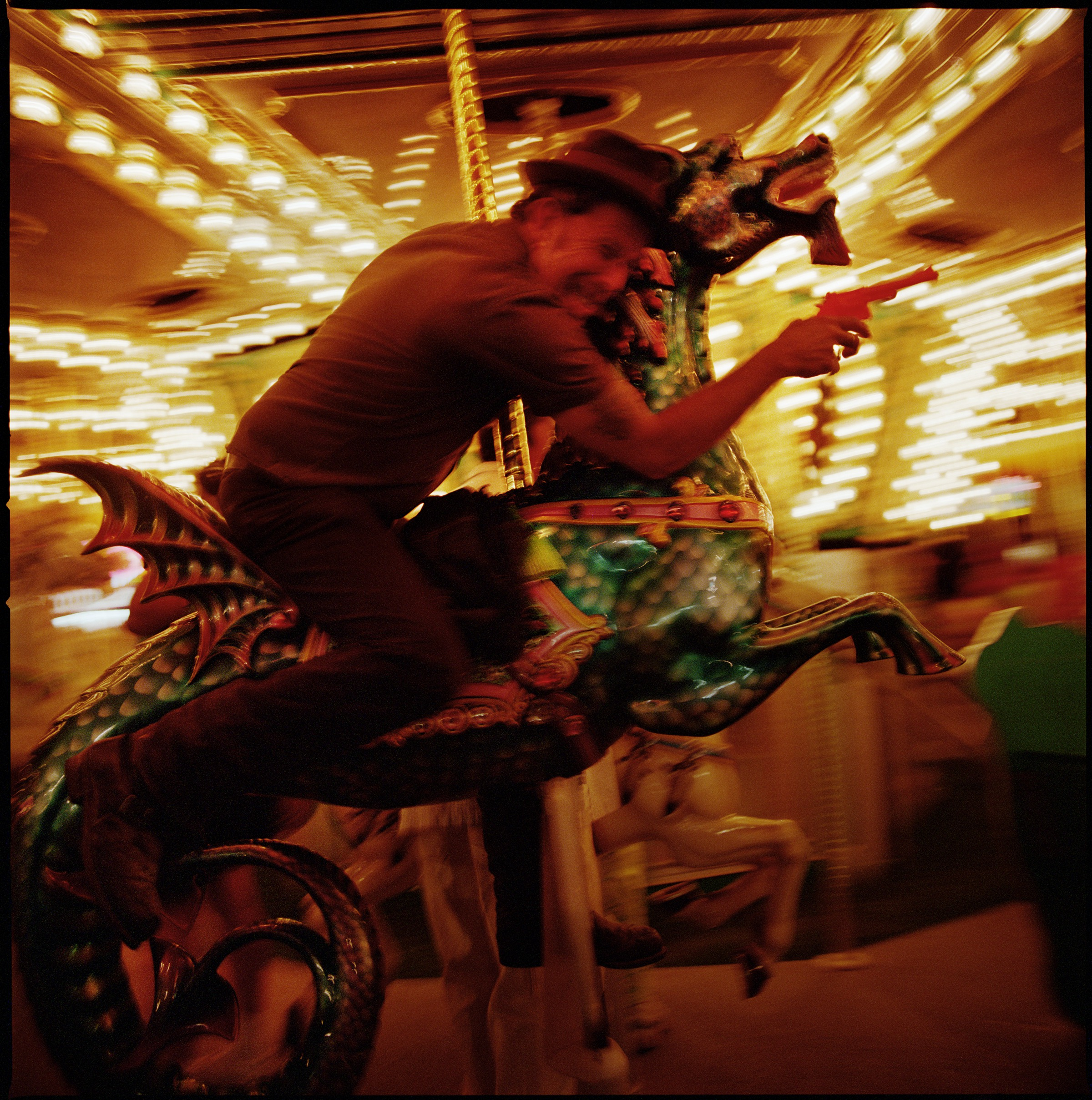 21254-1380580643-Danny Clinch Tom Waits Hi Res-p185og1j90c8f1skc25r16aqeif