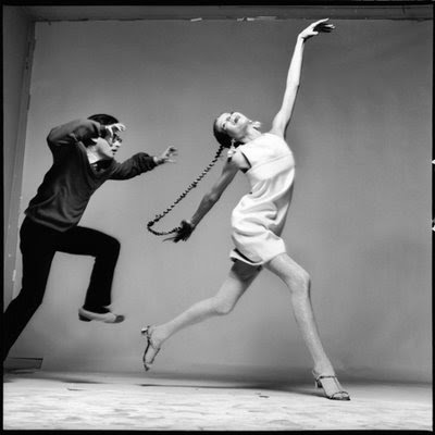 5_Veruschka with Richard Avedon, dress by Kimberly, New York, January 1967